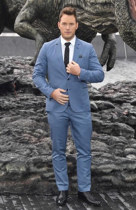 Chris Pratt Se Envuelve En Tonos Celestes Para El Photocall De Jurassic World En Londres 2