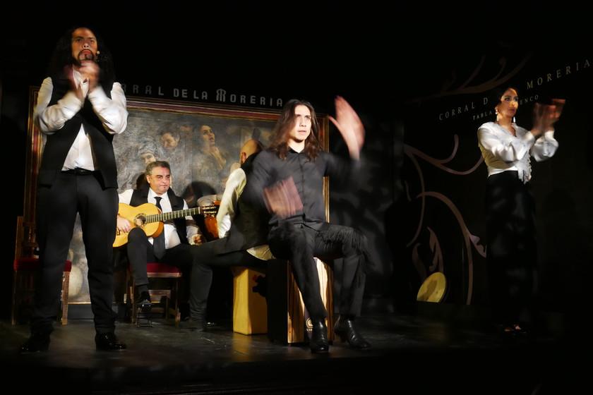 El loco mundo de El Corral de la Morería: un tablao flamenco con estrella Michelin gracias a un chef vasco que toca thrash metal
