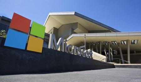 Con Azure creciendo exponencialmente, Microsoft se convierte en la tercera compañía en alcanzar el billón en bolsa