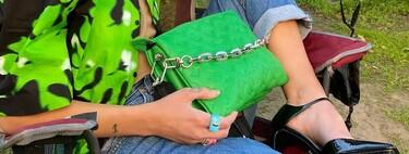 Hay una nueva obsesión en el street style: viene de la mano de Louis Vuitton en forma de bolso y responde al nombre de 'Coussin'