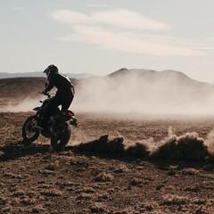 Foto 15 de 20 de la galería ducati-scrambler-desert-sled-fasthouse-2021 en Motorpasion Moto