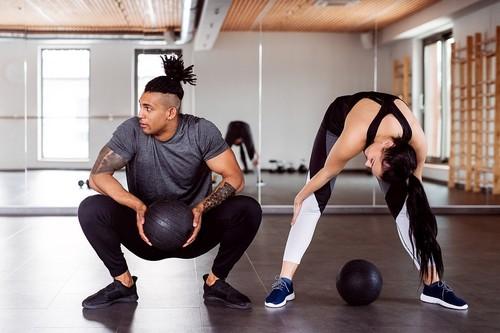 Ejercicio aeróbico: estas son las diferentes opciones de máquinas y clases colectivas que tienes en el gimnasio