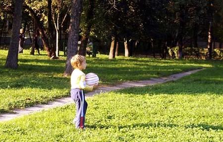 El juego (no el deporte) es el mejor ejercicio para los peques