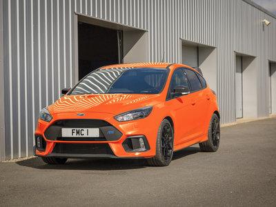 Ford le da más potencia y un mejor diferencial al Focus RS para despedirlo con la Heritage Edition