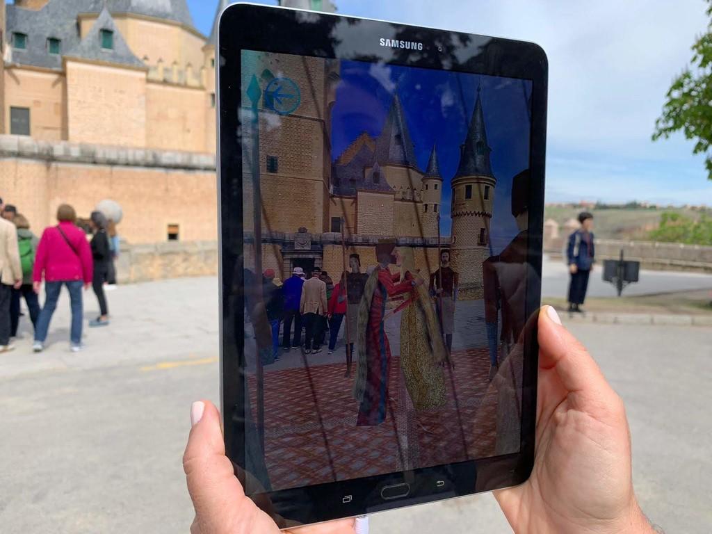 El 5G como aliado del turismo: Telefónica muestra su potencial en Segovia combinado con la realidad aumentada