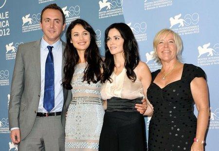 Nicolas Gonda, Olga Kurylenko, Romina Mondello y Sarah Green