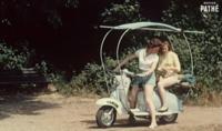 Aún estás a tiempo de irte de vacaciones con esta Scooter que se convierte en tienda de campaña