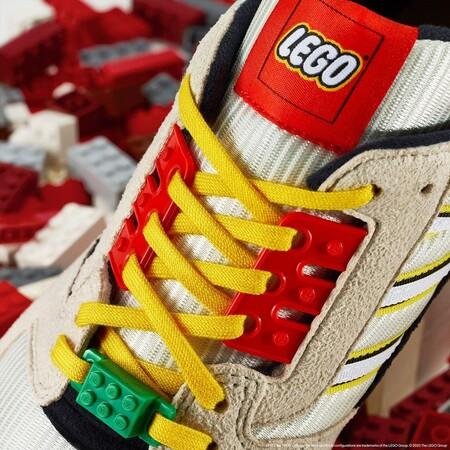 Lego Y Adidas Originals Colaboran En La Mas Divertida Y Colorida Zapatilla Que Querras Lucir En Otono 2