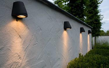 Luz y mucho diseño en estas lámparas de exterior adaptables a cualquier estilo decorativo