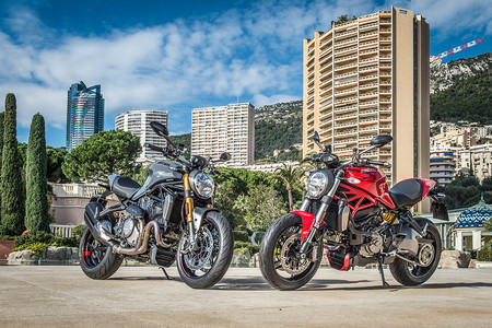 Ducati Monster 25aniversario 04