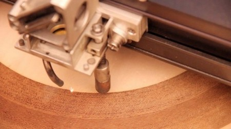 Vinilo madera grabación láser