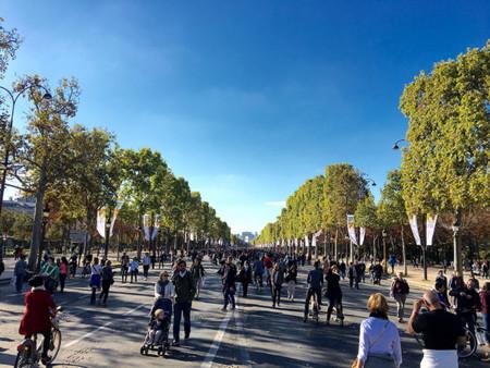 París ha vaciado el centro de su ciudad de coches. Y le ha ido bastante bien