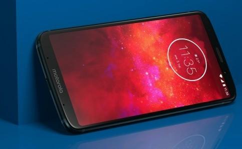 Del Moto Z Play al Moto Z3 Play: llegan la pantalla 18:9 y la cámara dual, pero se va el jack de auriculares