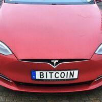 Tesla ha ganado más dinero en dos semanas con bitcoin que tras doce años fabricando coches