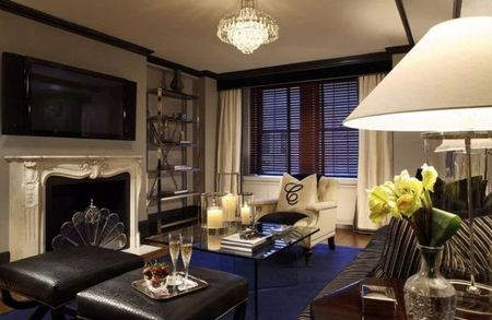 carlyle-hotel-tower-suite-saloncito.jpg