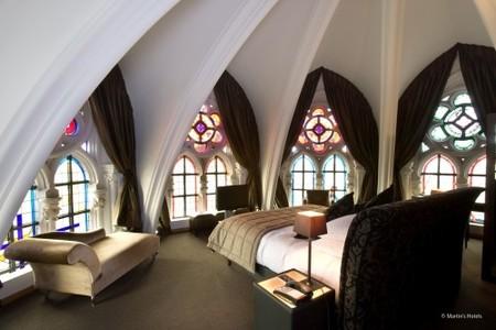 Impresionante: iglesia neogótica como hotel de lujo en Bélgica. ¿Pernoctarías en el Hotel Martin's Patershof?