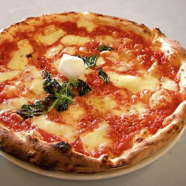 Siete deliciosas pizzas y siete utensilios para que te queden mejor que a un napolitano