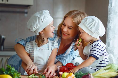 Nutricionistas infantiles y expertos en BLW que seguir en redes sociales para estar bien informado