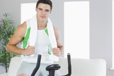 Cómo quemar calorías y grasas usando tu bicicleta estática