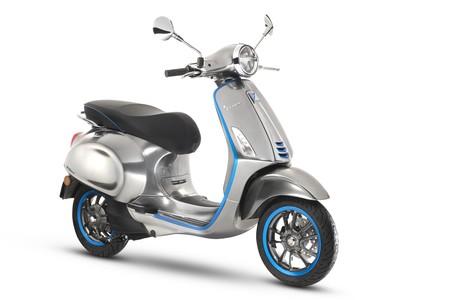 La revolución eléctrica de Piaggio llegará a las calles en octubre con la Vespa Elettrica