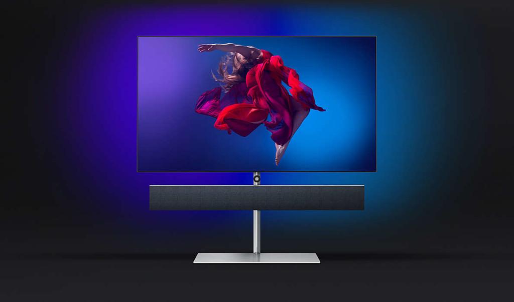 Philips muestra la smart TV OLED984, su nuevo buque insignia con 65 pulgadas y barra de sonido de Bowers & Wilkins