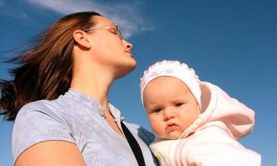 Madres primerizas reclaman más información sobre la vida con el bebé