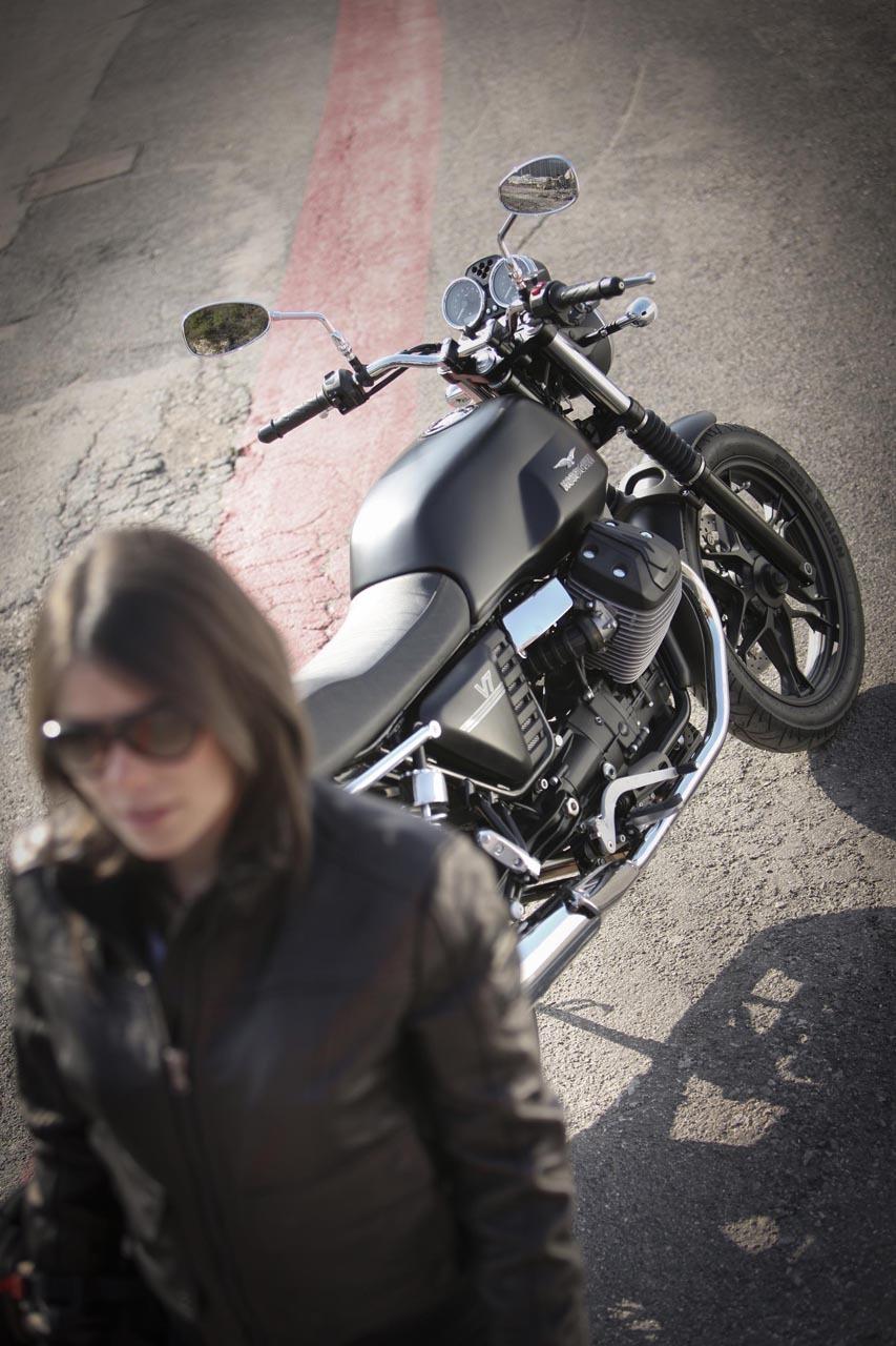 Foto de Moto Guzzi V7 Stone (37/57)