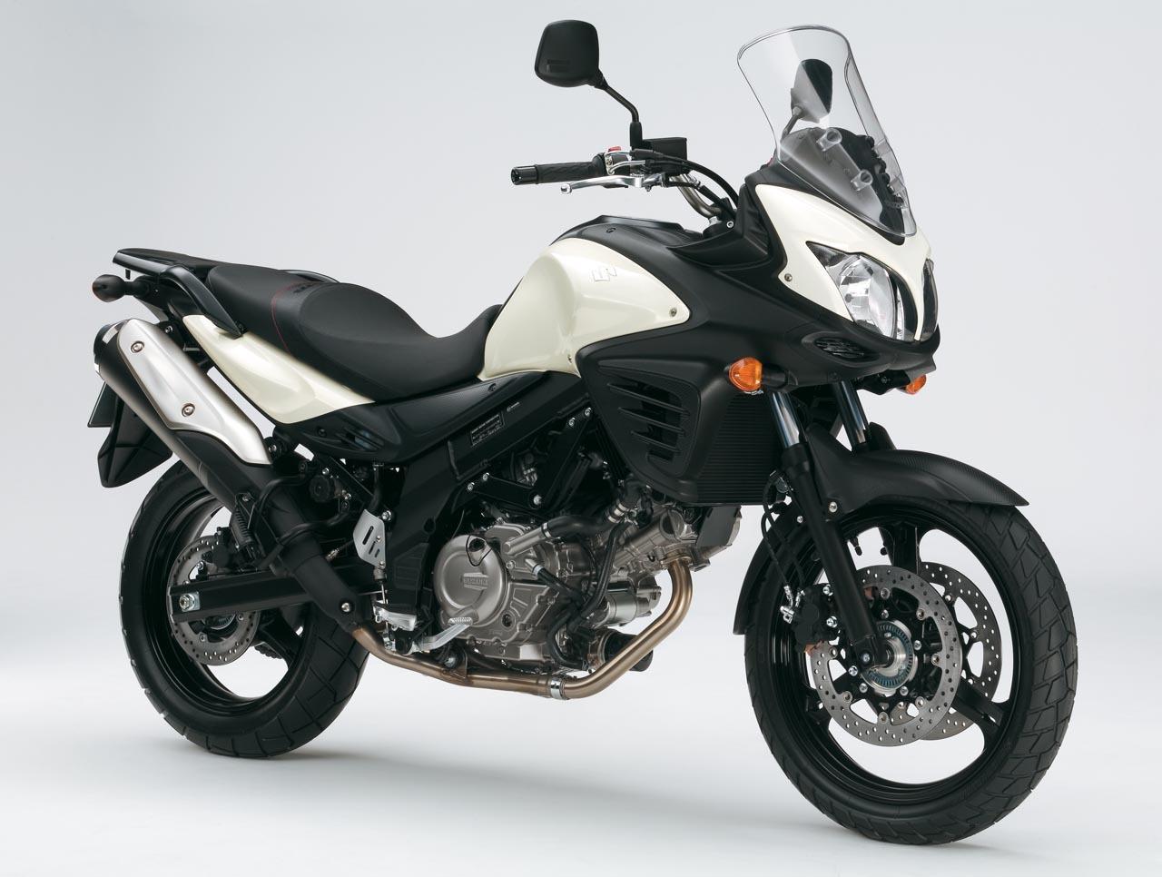 Foto de Suzuki V-Strom 650 2012, fotos de detalles y estudio (2/50)