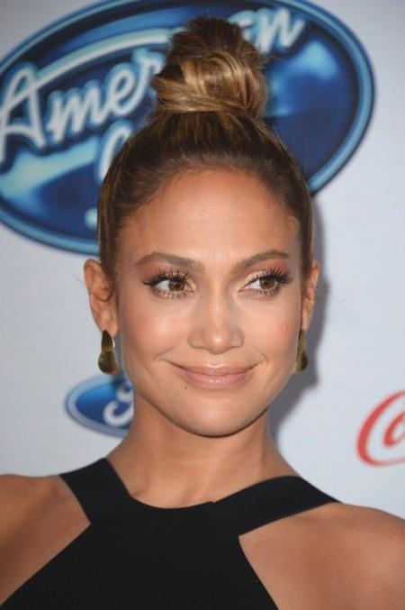 Jennifer López o cuando un buen look lo estropea un mal peinado