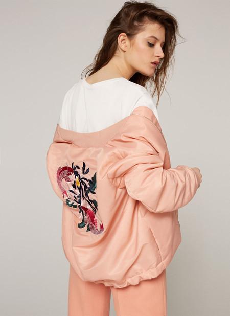 Bomber en rosa pastel