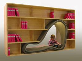 Estantería para libros con espacio para la lectura