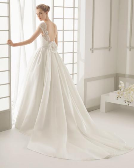 los 17 vestidos de novia de estilo romántico que no querrás dejar