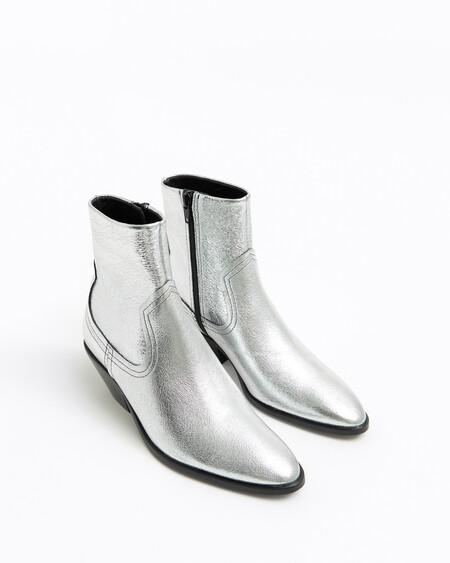 https://www.bimbaylola.com/es_en/silver-cowboy-ankle-boot-202bz0653-t1007