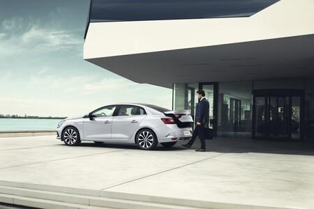 Renault Megane Sedan 2021 03