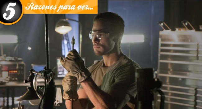 Cinco razones para ver 'Arrow'