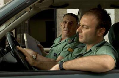 Los dos miembros de la guardia civil que investigan un supuesto crimen