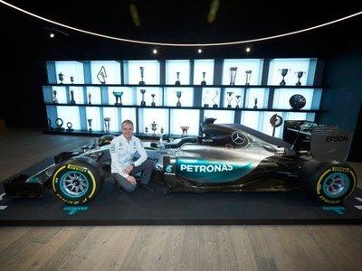 Valtteri Bottas firma con el equipo Mercedes para la temporada 2017 de Fórmula 1
