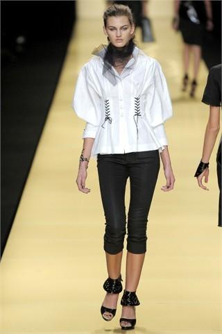 Foto de Karl Lagerfeld en la Semana de la Moda de París Primavera-Verano 2009 (13/32)