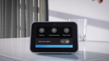 El despertador con Google Assistant Lenovo Smart Clock está rebajadísimo a menos de 50 euros en El Corte Inglés