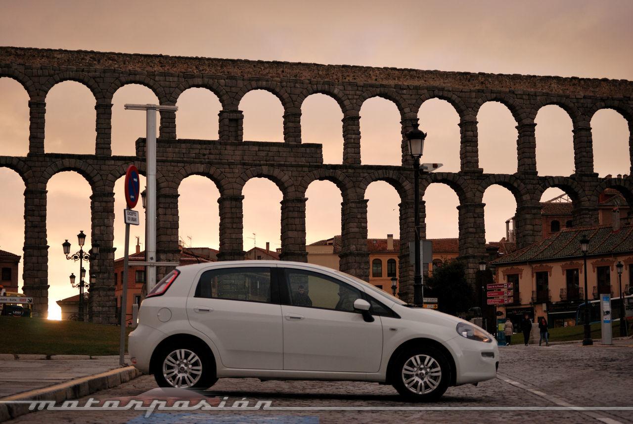 Foto de Fiat Punto 1.4 GLP (prueba) (38/70)