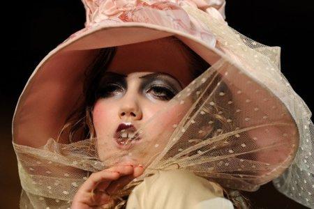 John Galliano Primavera-Verano 2011 en la Semana de la Moda de París