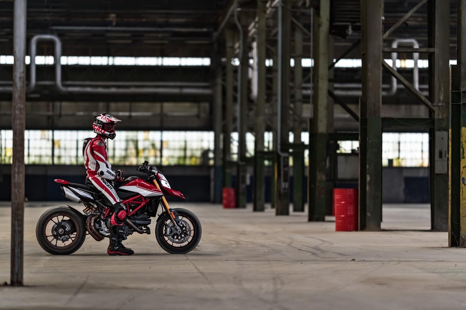 Foto de Ducati Hypermotard 950 2019 (25/76)