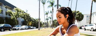 Probamos los auriculares de conducción ósea: escuchar música y no perderte el ambiente de una carrera es posible