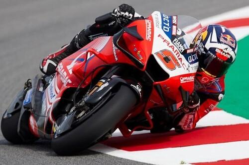 Johann Zarco comanda los entrenamientos de MotoGP en Barcelona con 16 pilotos separados por un segundo