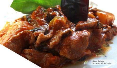 Carne con papas y chaya a la cacerola Doña Chonita