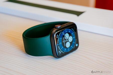 Ya puedes descargar watchOS 7.6.1 en tu reloj para solventar un error de seguridad