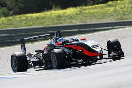 Bianchi sigue mandando, Merhi sigue avisando