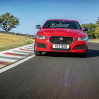 El Jaguar XE bate un récord en el viejo Circuit de Charade, tres décadas después de la última carrera allí