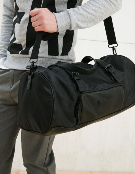 5cc9e4d1d6e De la escuela al gimnasio: bolsos para llevar todo a todos lados te ...