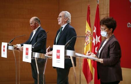 Madrid decreta un cuasi toque de queda, pero amplía una hora, hasta la medianoche, el cierre de bares y restaurantes